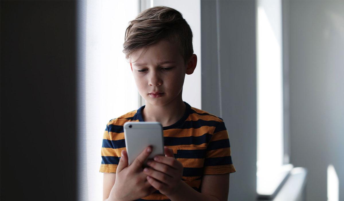 Sécurité en ligne : comment protéger les enfants et les adolescents des risques liés aux réseaux sociaux ?